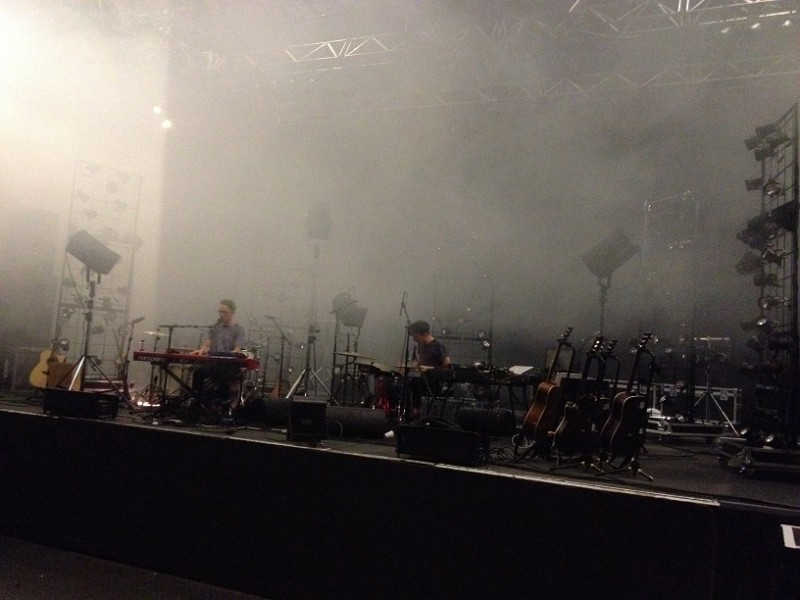 Douglas and Fabian's soundcheck is interrupted by an unusual gust of indoor fog - Lyon (TT)